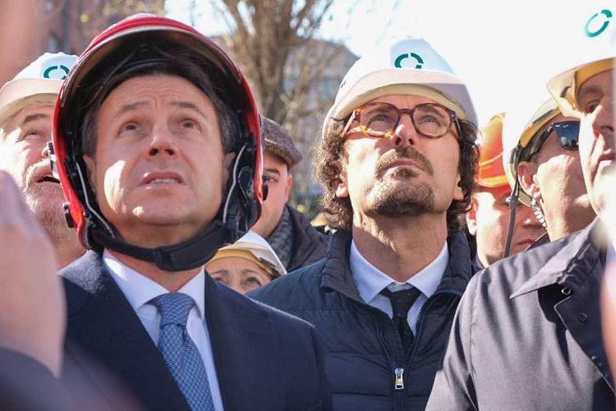Tutti a Genova per inaugurare la demolizione del Ponte Morandi