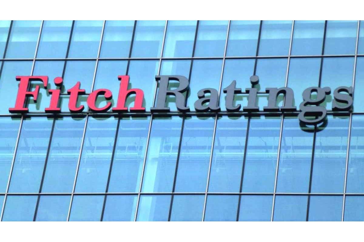 Fitch mantiene il precedente giudizio sull'Italia, comprese le previsioni negative sul futuro, ed il Governo festeggia