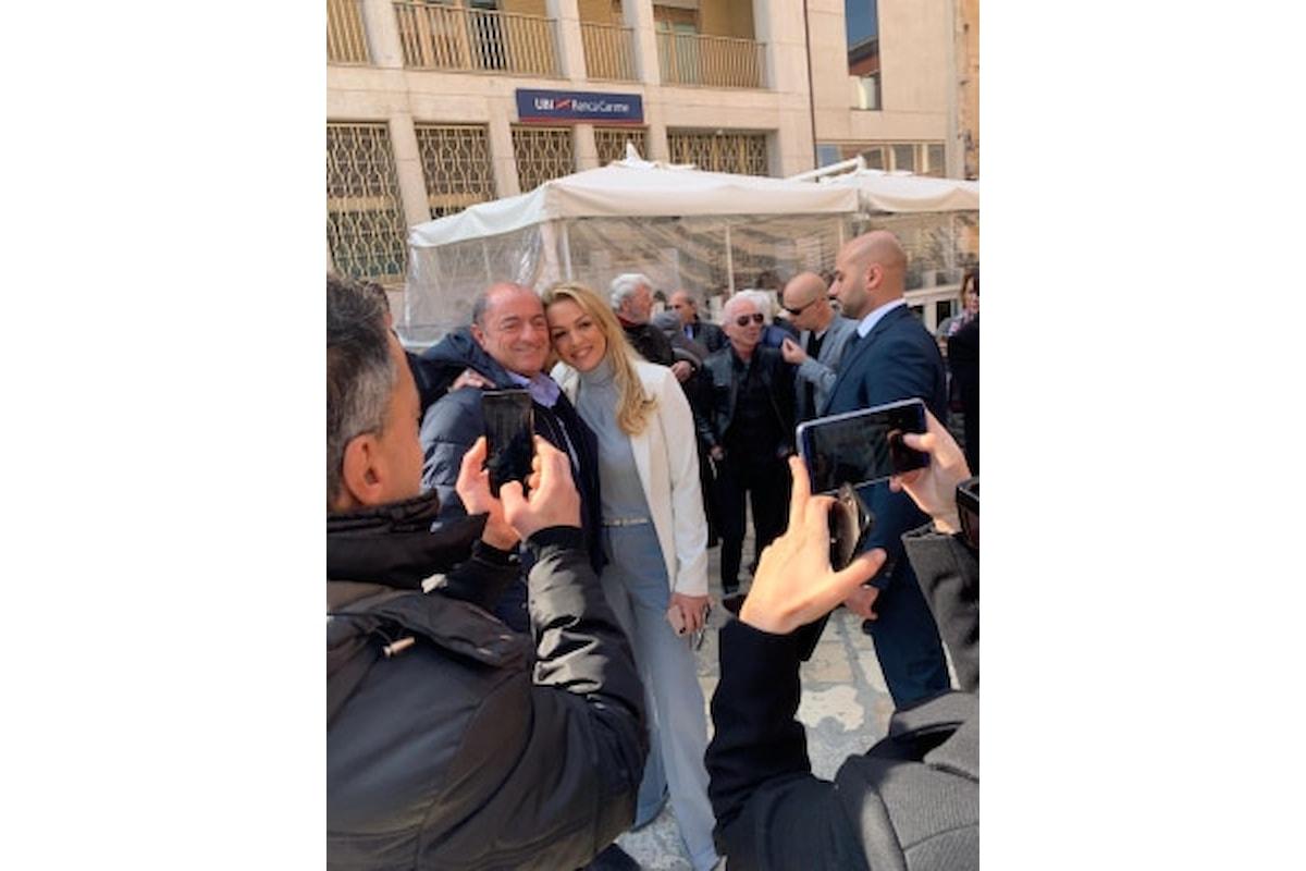 Basilicata: bagno di folla per Berlusconi a Matera