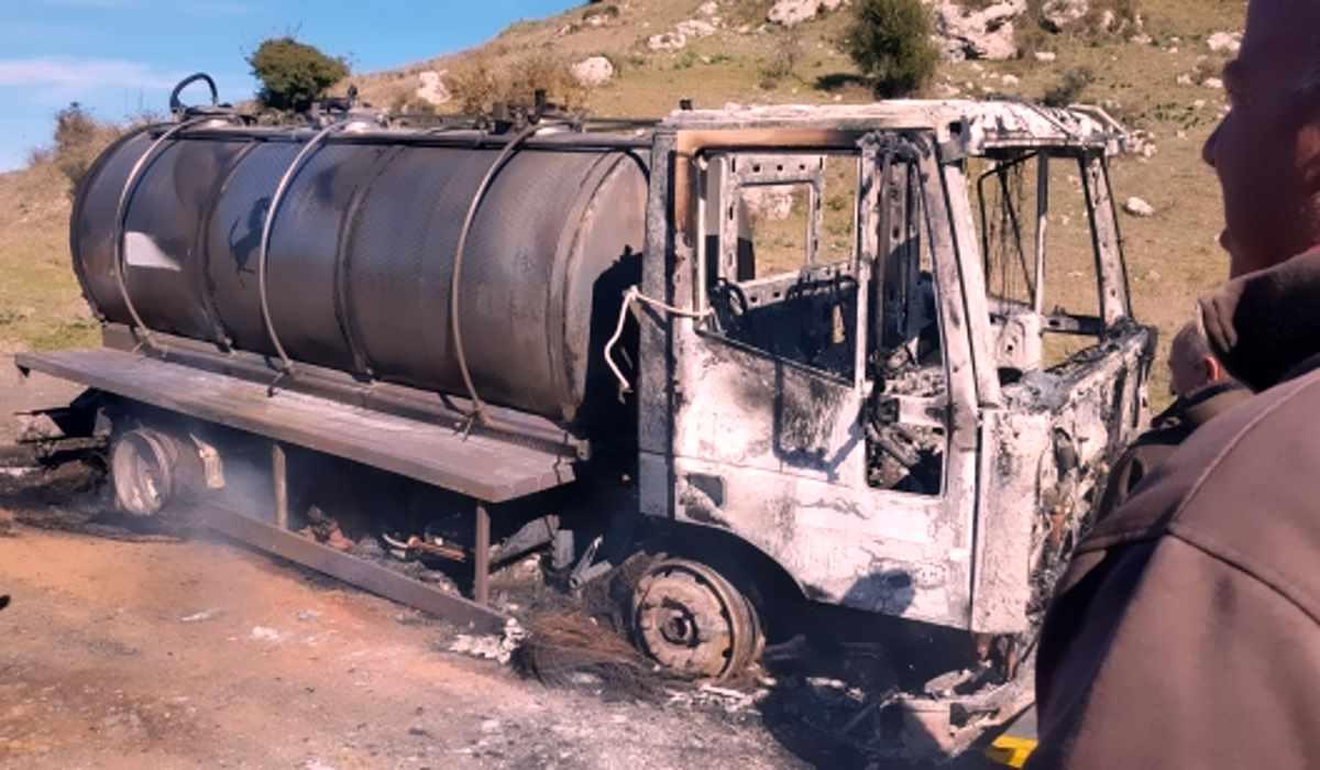 Nonostante l'accordo sul prezzo del latte, un nuovo camion è stato dato alle fiamme in provincia di Sassari