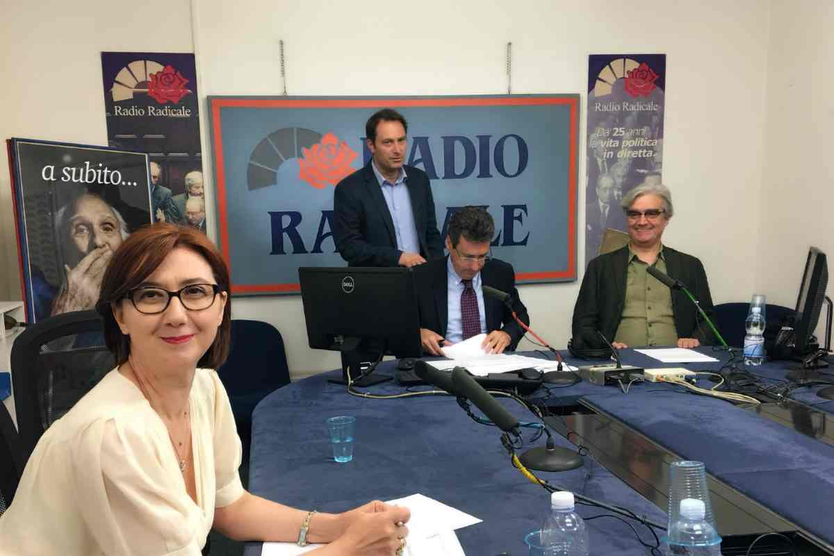 L'Agcom invita il Governo a prorogare l'attuale convenzione con Radio Radicale