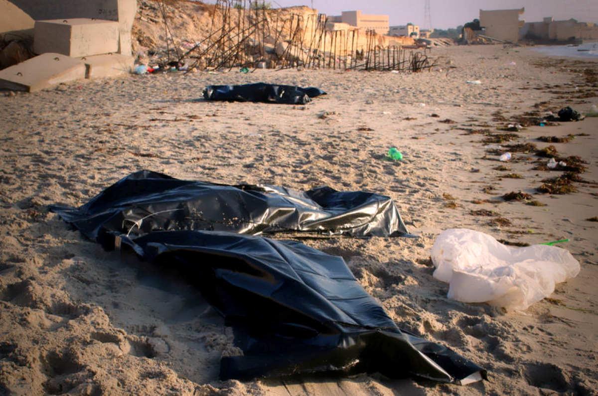 L'appello del Papa perché si evitino naufragi come quello di giovedì scorso dove sono morte 150 persone