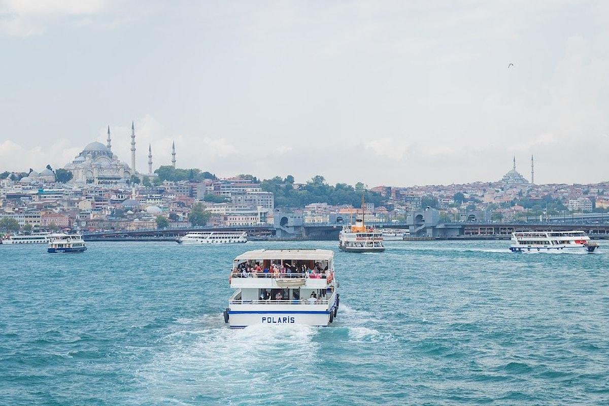 Amore & Viaggi - Piccola storia di ordinario turismo - Mamma li turchi