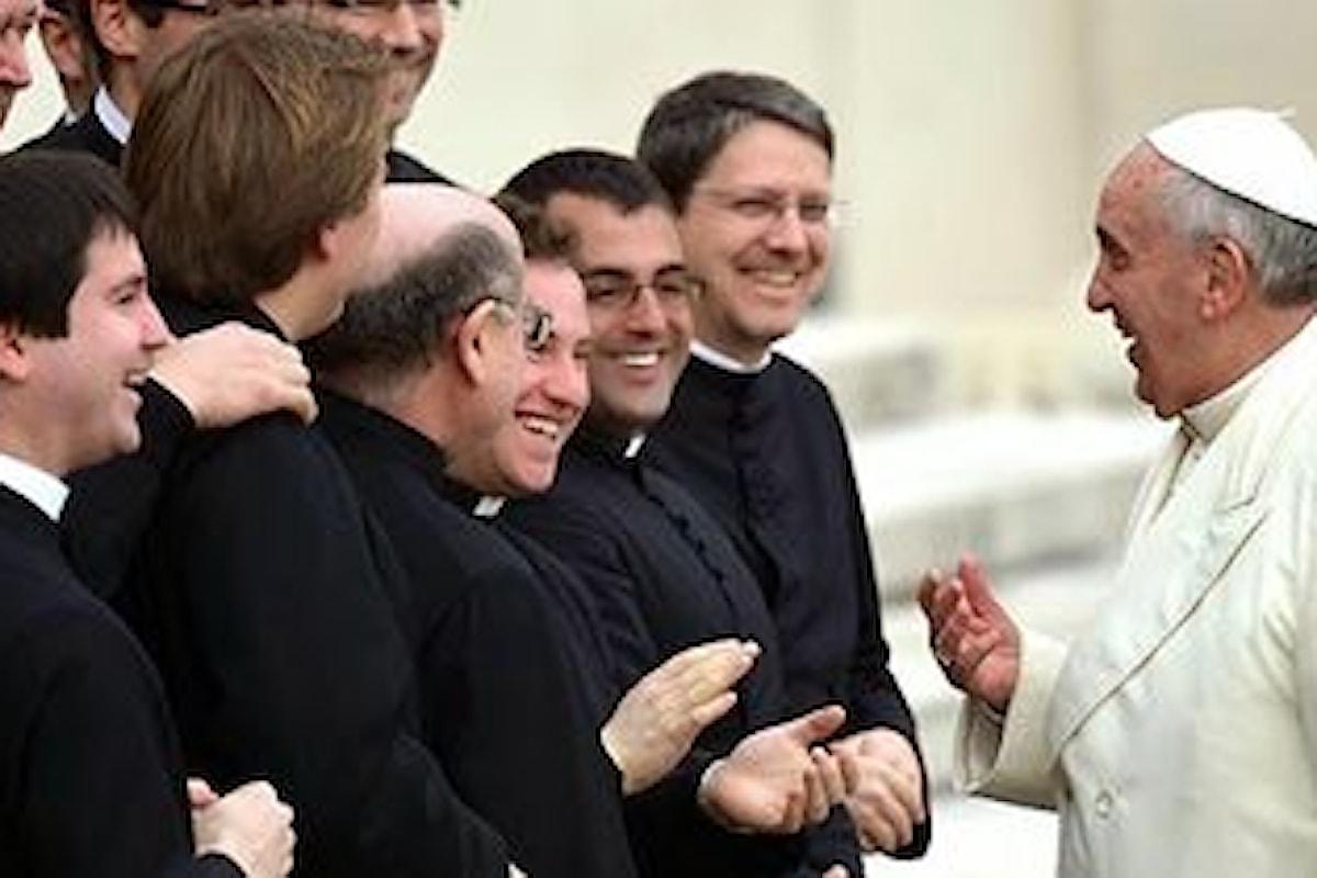 Chiesa apra ai preti sposati per arginare crollo delle vocazioni in Europa