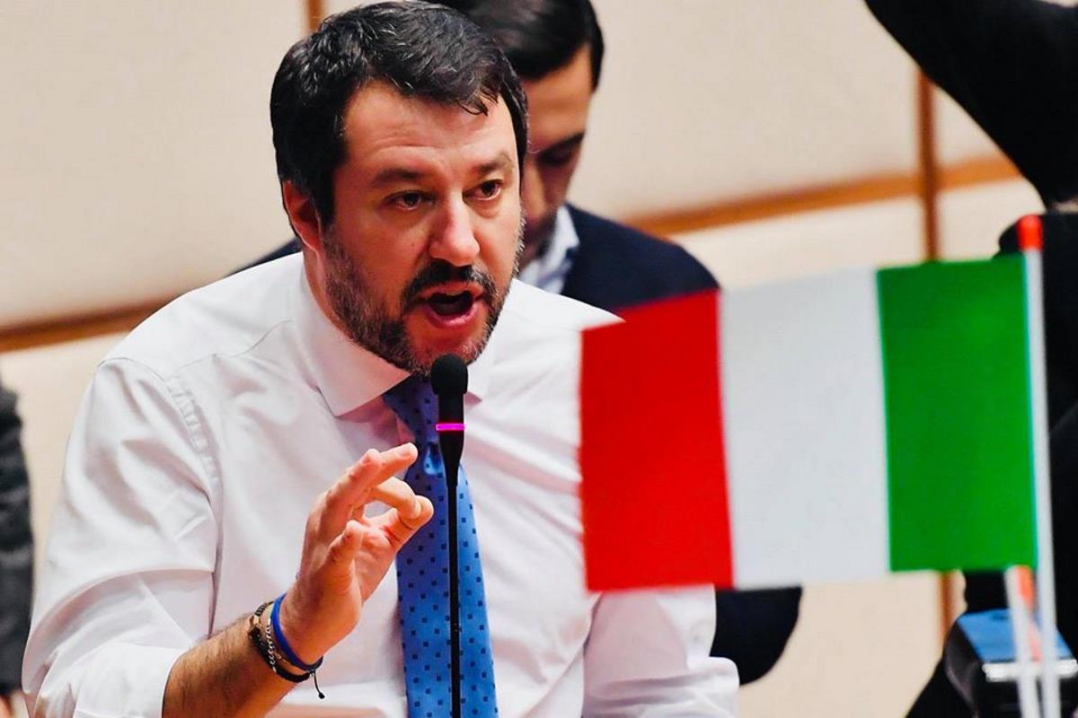 Matteo Salvini è convinto che tutti gli italiani siano dei Meneghin