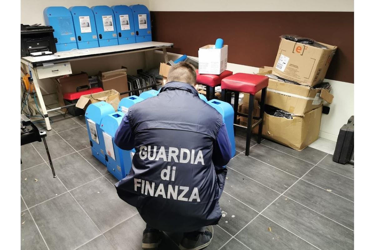 Slot illegali, maxi operazione della Polizia e Guardia di Finanza. Sequestrati 500 apparecchi ed indagati un produttore e quattro gestori. Operavano soprattutto in Piemonte ed Emilia Romagna