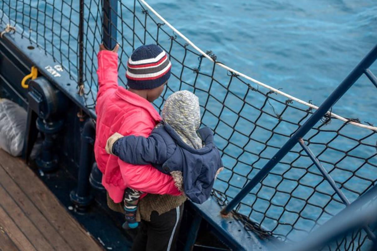 Assegnato un porto sicuro alle 500 persone a bordo di Ocean Viking e Alan Kurdi, altre 237 salvate da Open Arms