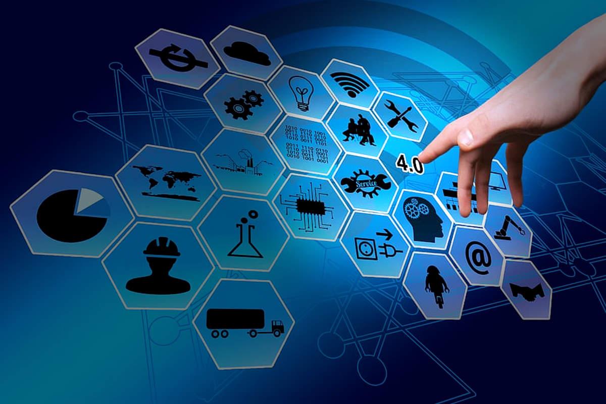 """Il piano """"industria 4.0"""" e la fabbrica digitale nell'era dei dispositivi elettronici IoT"""