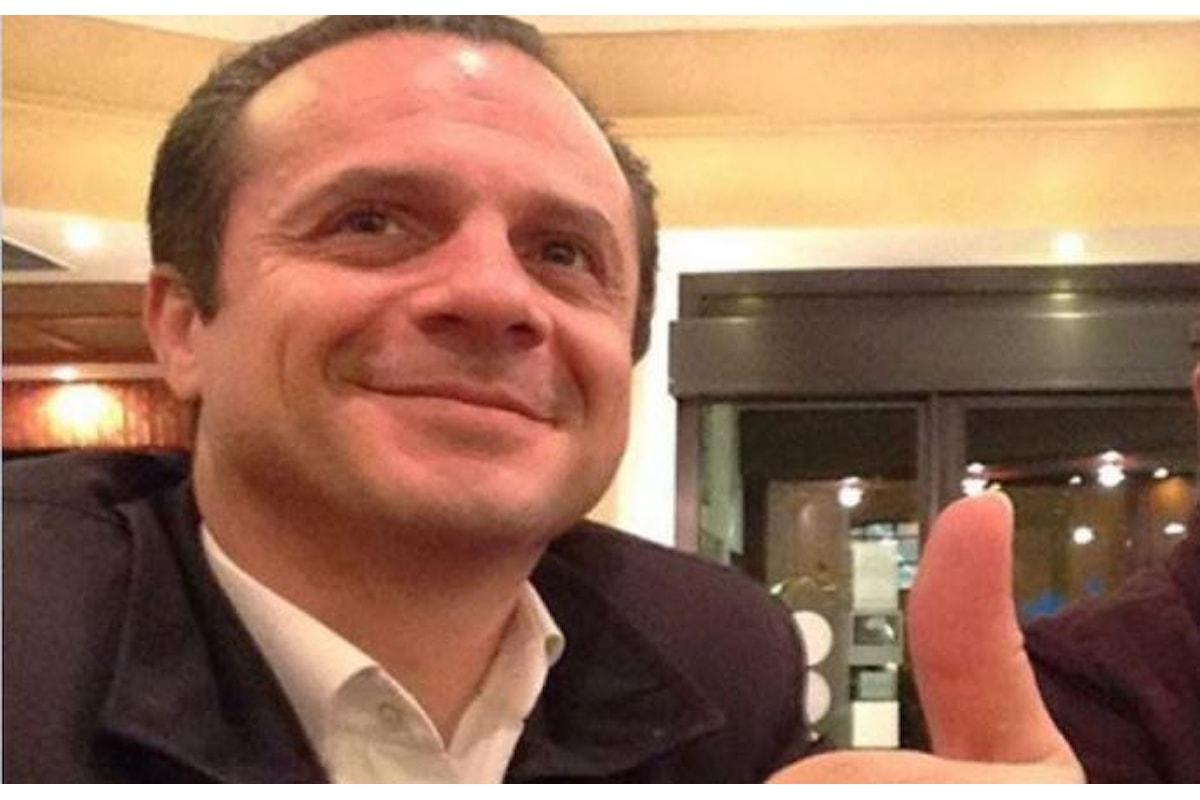 Il super sindaco di Messina Cateno De Luca diventa Robocop | Video