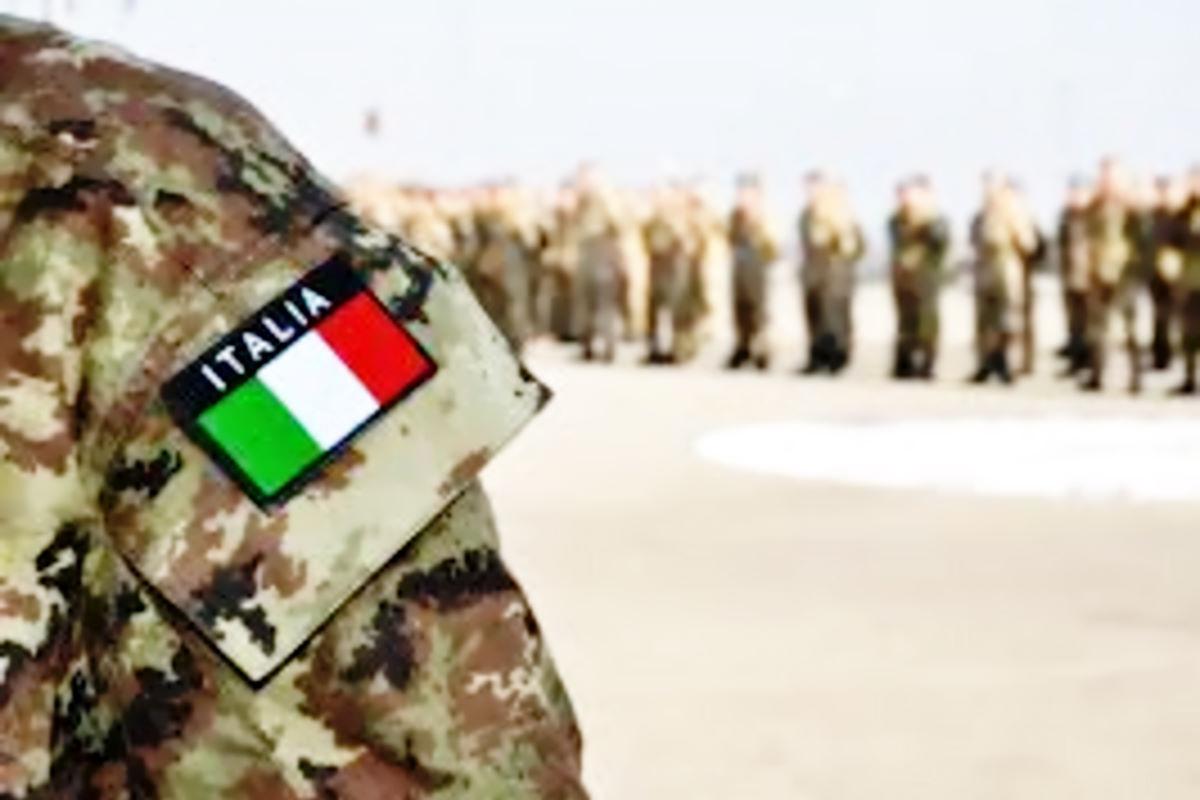 Barletta: i militari del Reggimento Torino incontrano gli studenti per promuovere l'offerta formativa e professionale dell'Esercito Italiano