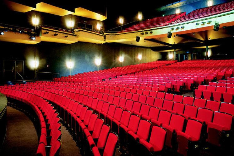 Coronavirus: in Italia stop anche a cinema e teatri