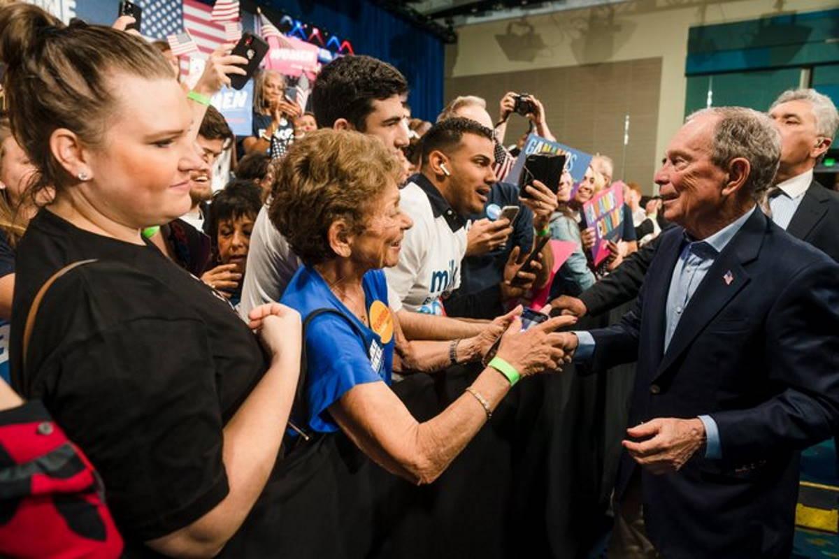 Dopo aver speso 500 milioni di dollari, Bloomberg abbandona la corsa alle presidenziali