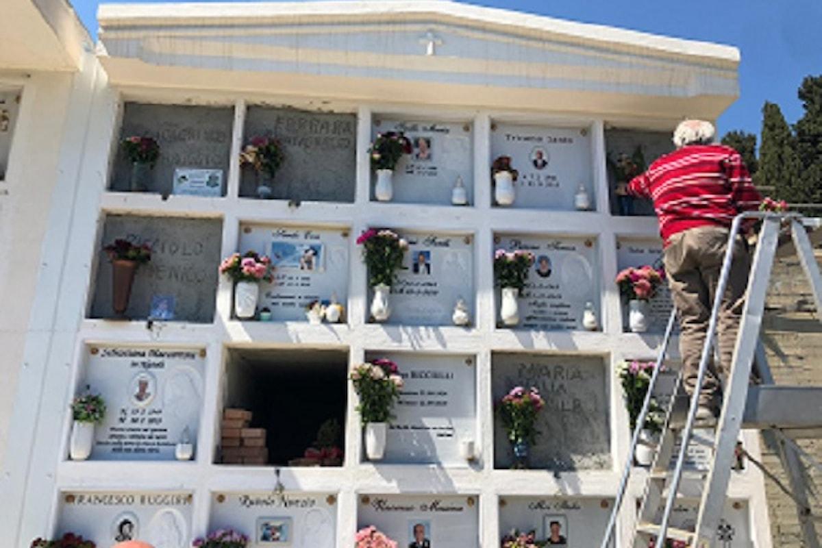 Milazzo (ME) - Cimitero chiuso da un mese: ai fiori pensa il Comune