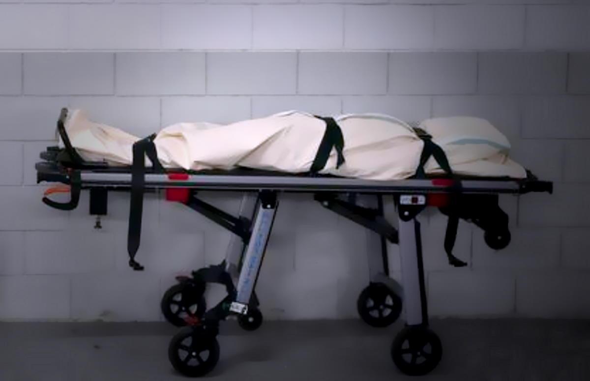 Tra propaganda, bugie e body bag l'America ha iniziato a ritirare le misure del lockdown