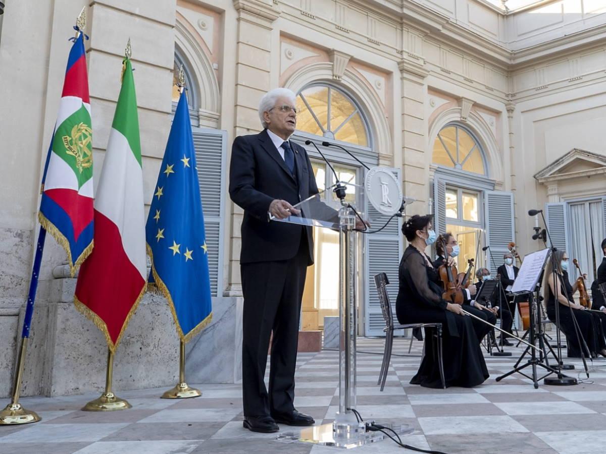 Il presidente Mattarella in occasione del 2 giugno: «Sono fiero del mio Paese»