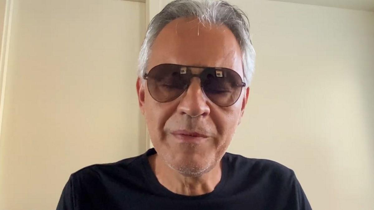 Inversione ad U per Andrea Bocelli che adesso dice di esser stato frainteso