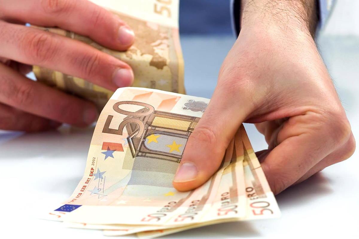 Covid, consumi e spese obbligate: l'analisi dell'Ufficio Studi di Confcommercio