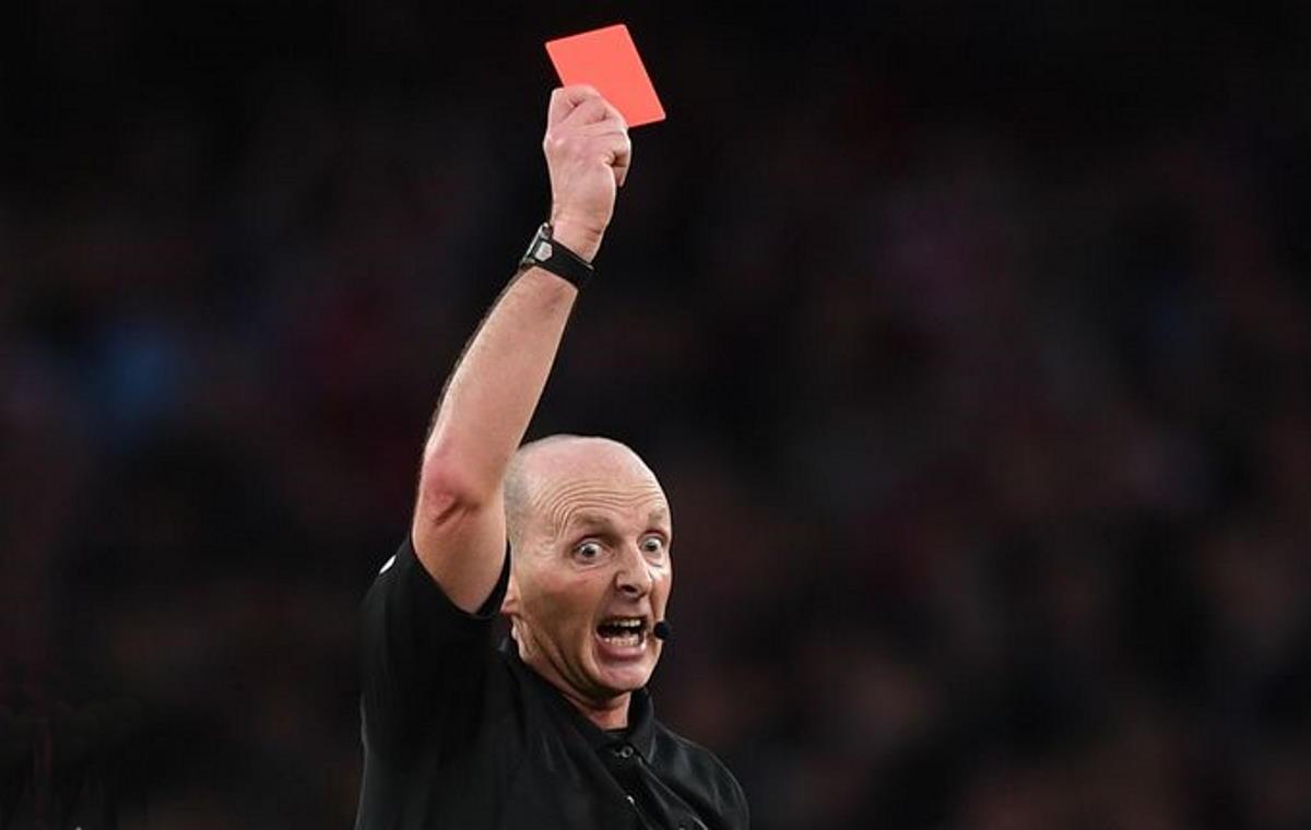 L'Ifab vieta il colpo di tosse in campo che potrà essere sanzionato anche con il cartellino rosso