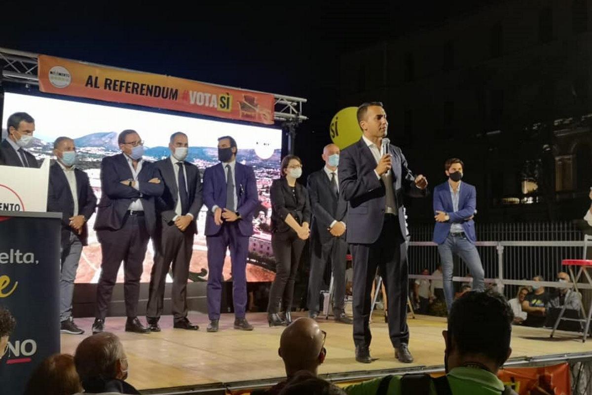 Avete rinnegato il vero Movimento Cinque Stelle: ecco cosa è accaduto ad Avellino sotto il palco di Di Maio