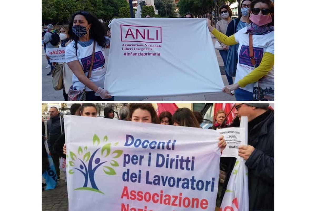 Scuola, Sit-in di protesta dei DM e docenti precari Secondaria presso USR d'Italia