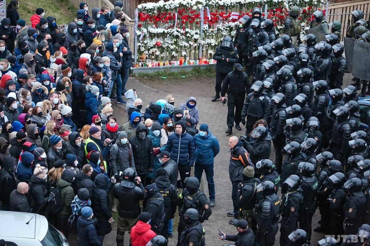 Dopo 100 giorni di protesta i bielorussi anche domenica sono scesi in strada per manifestare contro Lukashenko