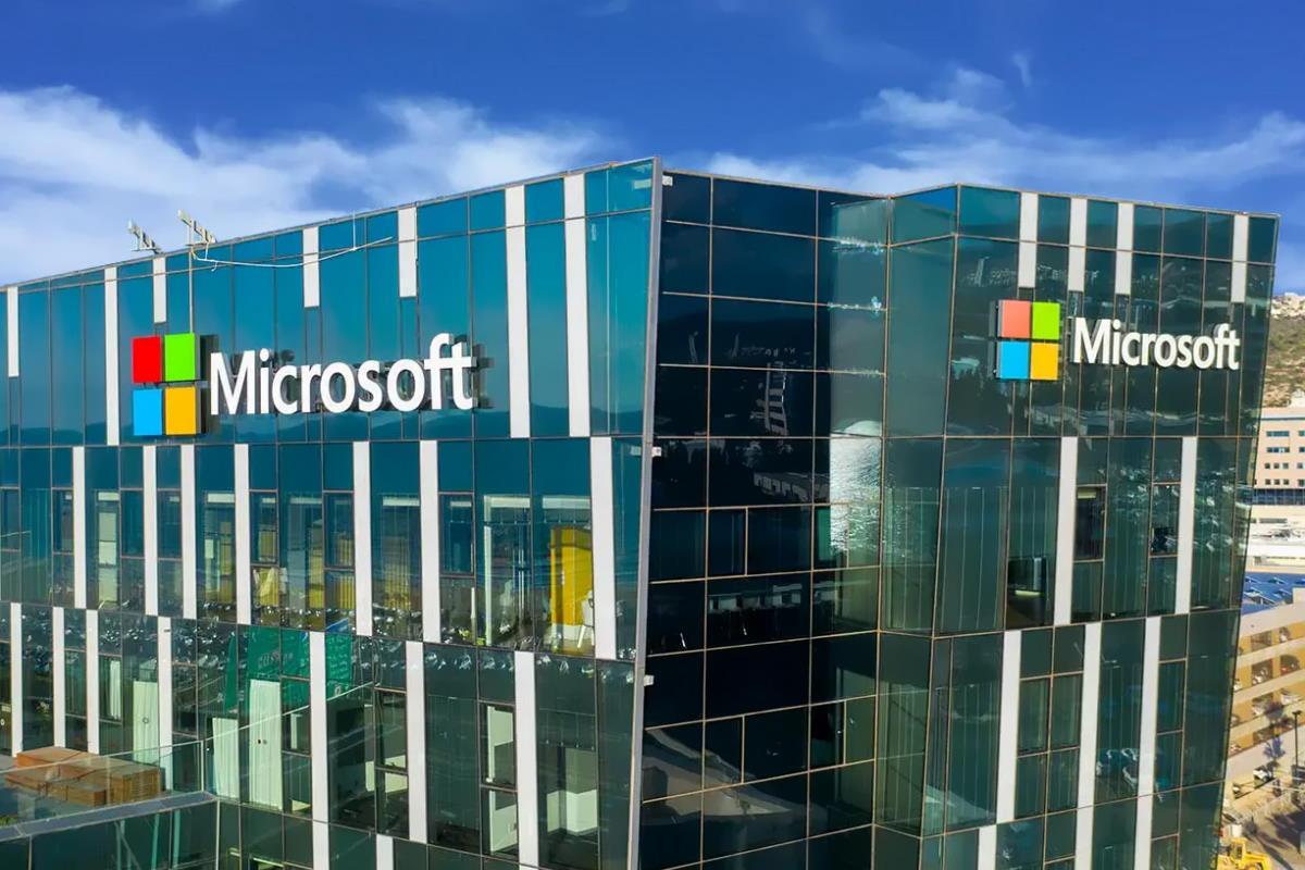 Dopo Apple anche Microsoft sta sviluppando un suo processore per sostituire quelli finora forniti da Intel