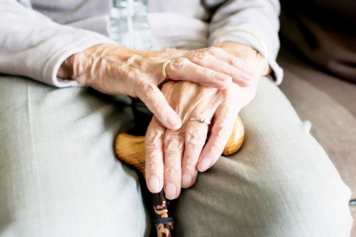 Amnesty International lancia la campagna firme per il diritto alla salute degli anziani nelle case di riposo