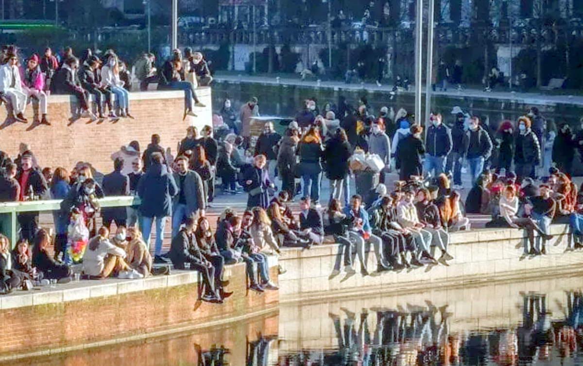 Molta gente e assembramenti a Milano... e non solo!