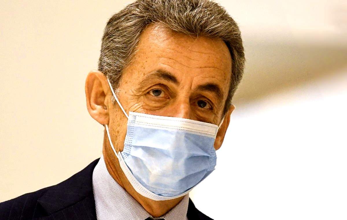 Condannato a 3 anni di carcere l'ex presidente francese Nicolas Sarkozy
