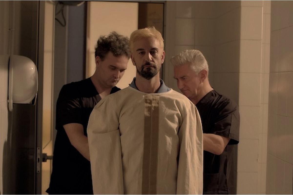 REVERSE, un film di Mauro John Capece. Dal 21 aprile sulle maggiori piattaforme di streaming