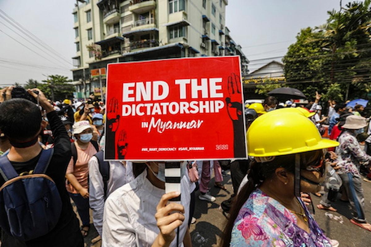 Myanmar: diciannove manifestanti condannati a morte