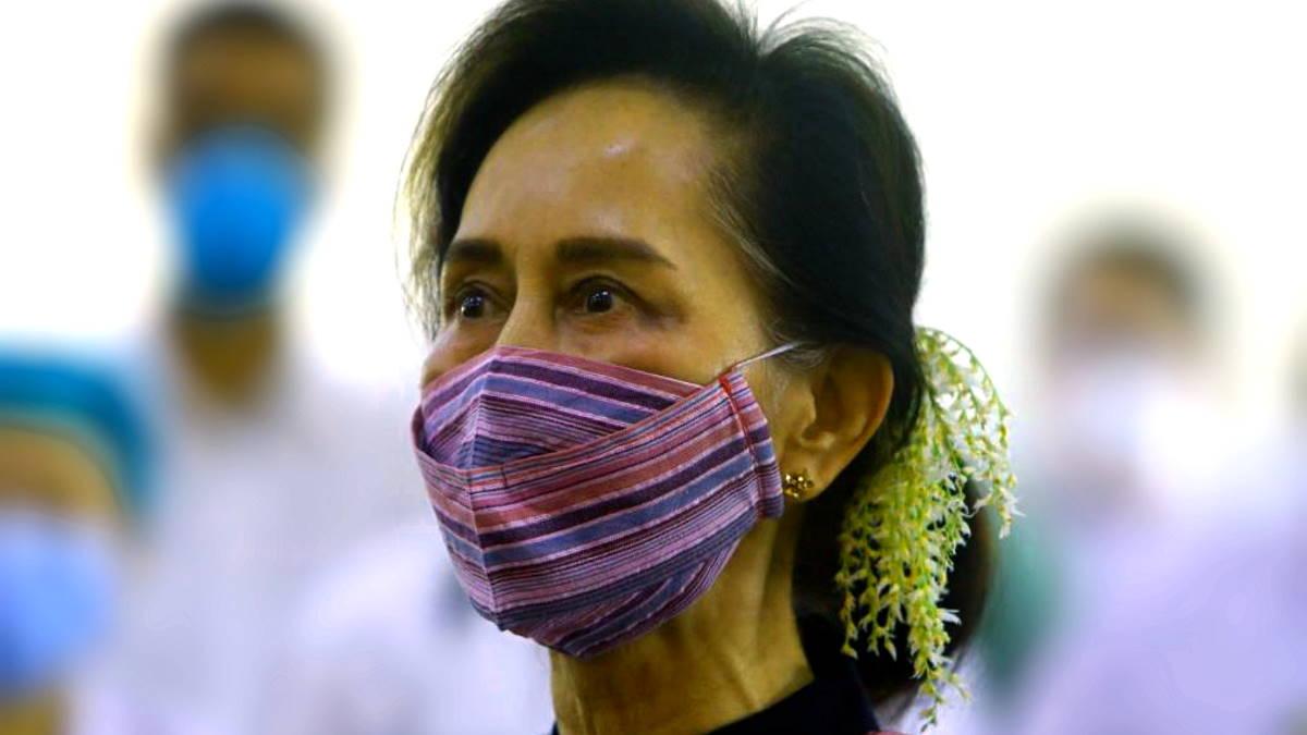 Birmania: Aung San Suu Kyi è stata accusata anche di aver violato una legge sui segreti di Stato risalente all'epoca coloniale