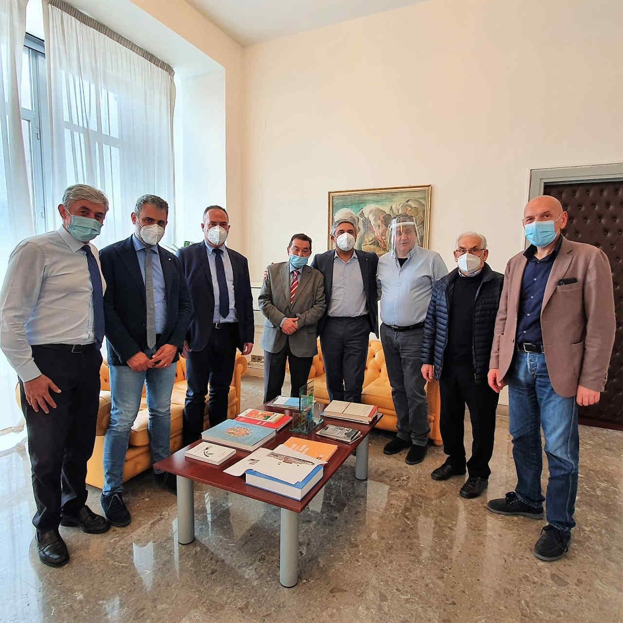L'Assessore Regionale all'Agricoltura on. Toni Scilla incontra una delegazione di sindaci dell'Unione Madonie.