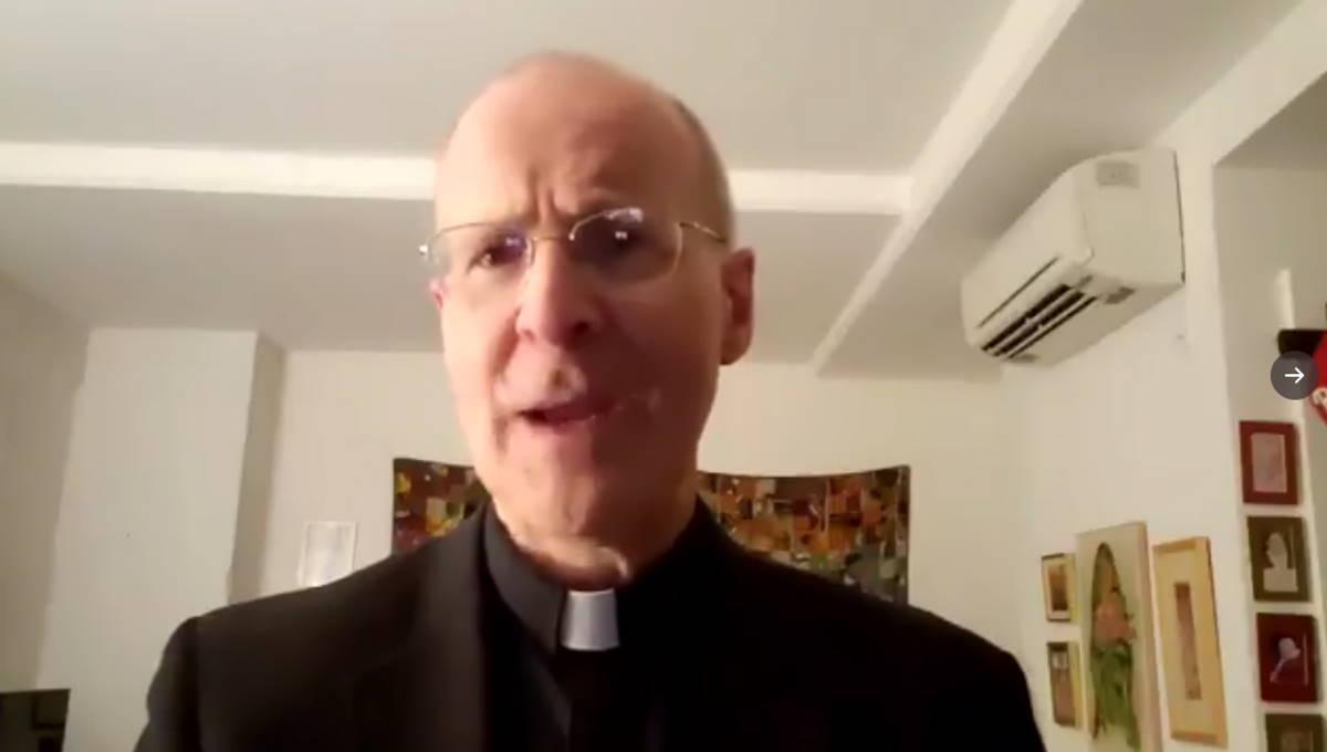 Il Papa invia una lettera ad un prete pro LGBT, ecco che cosa gli ha scritto