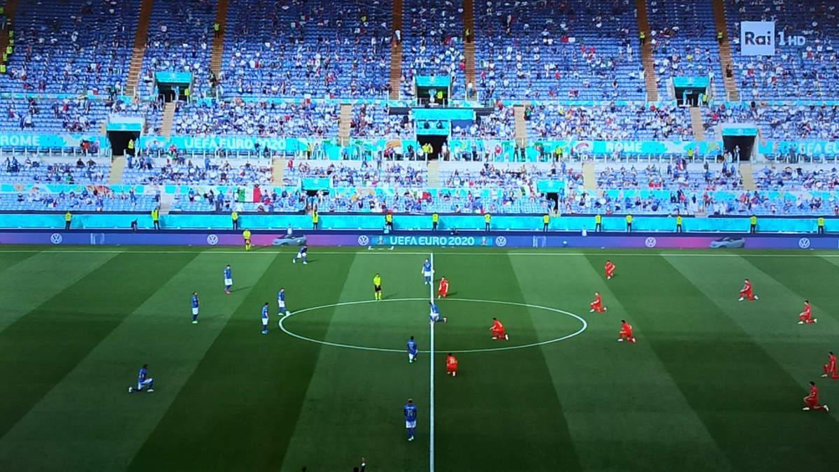 Euro 2020, a Wembley azzurri in piedi o in ginocchio?