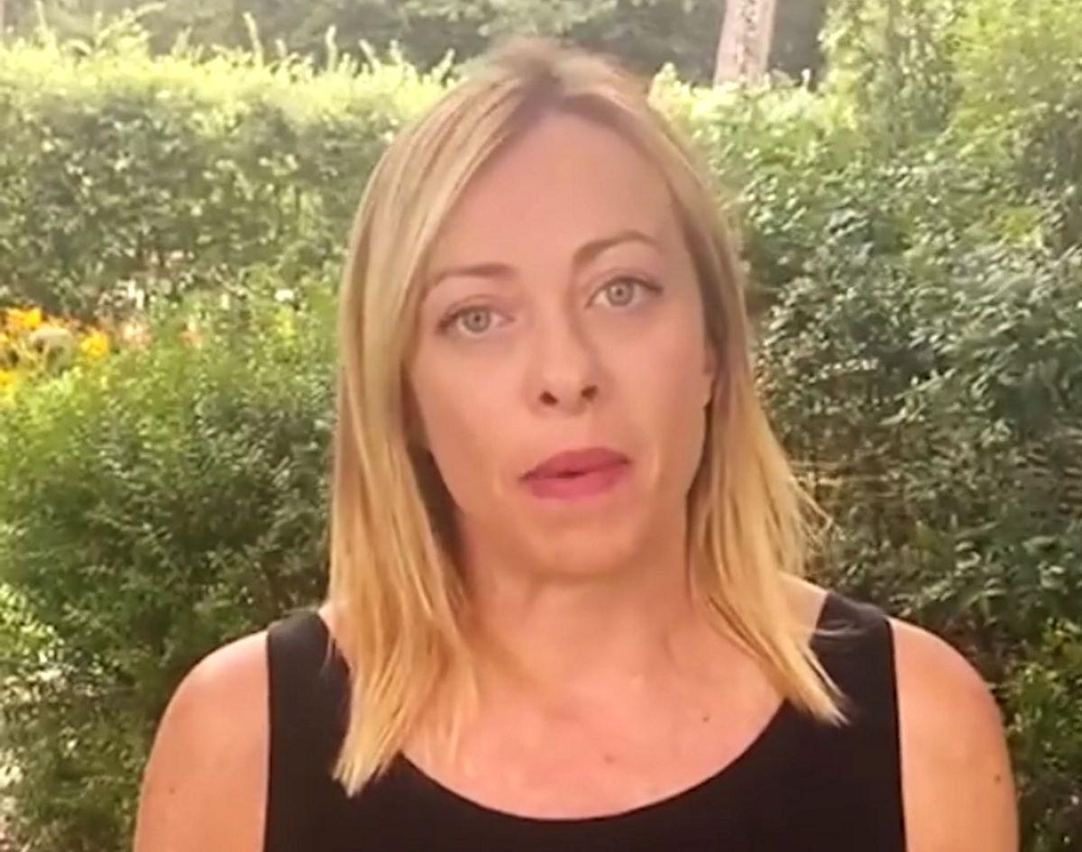 Giorgia Meloni propone di sostituire il Reddito di Cittadinanza con la schiavitù