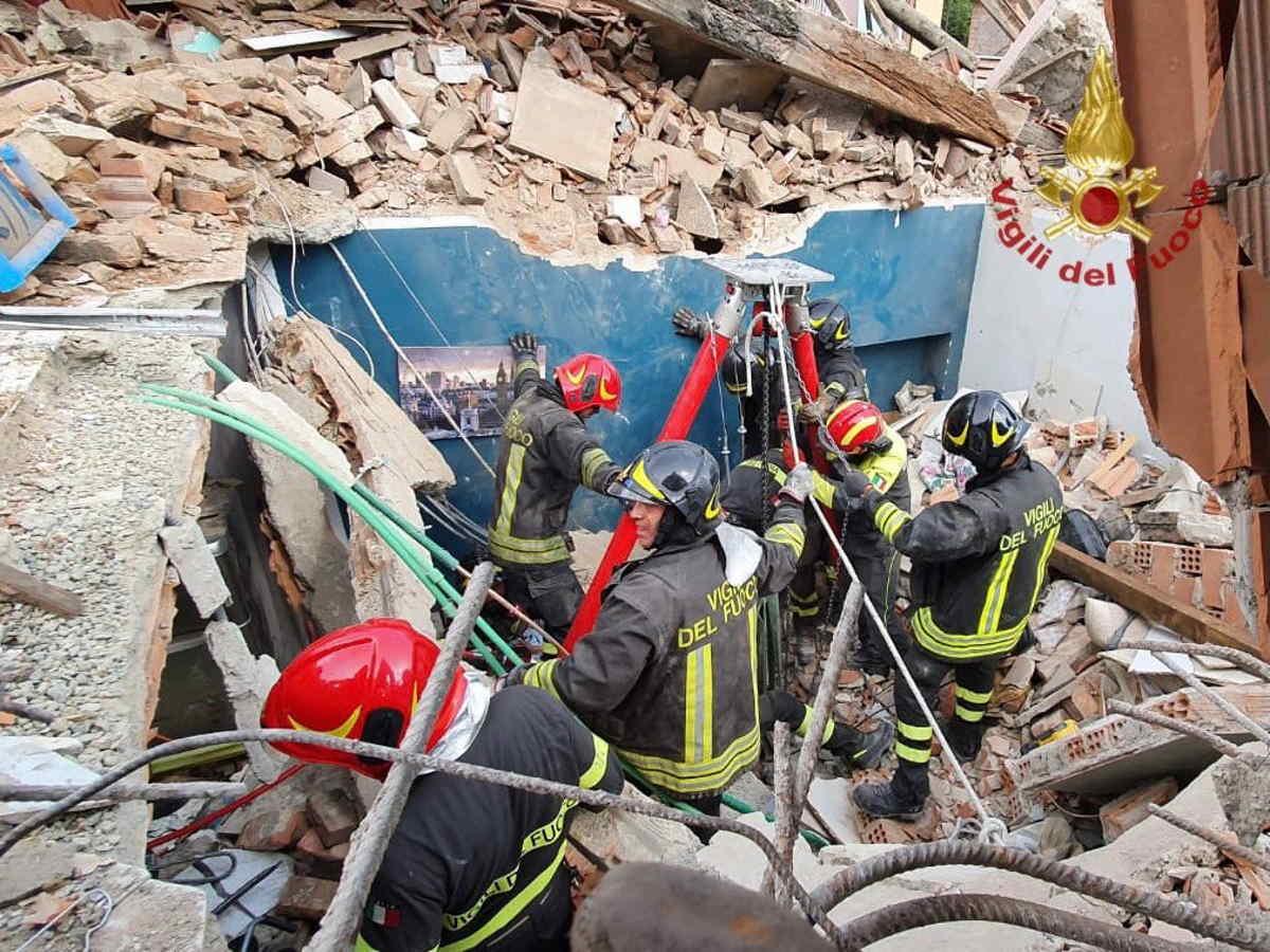 Un bambino muore nel crollo di una palazzina alla periferia di Torino