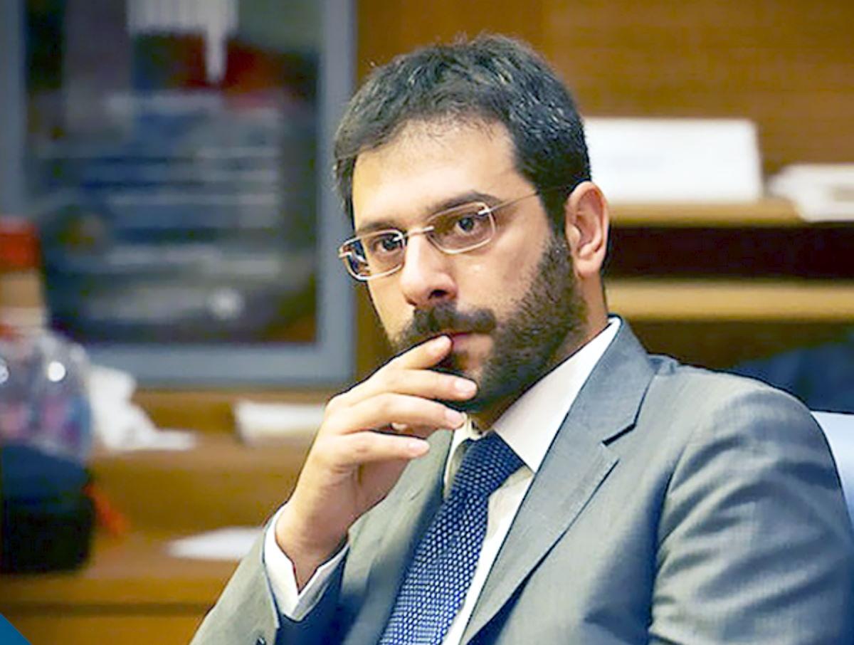 Il bue che dà del cornuto all'asino… così si può riassumere la politica del M5S a Salerno
