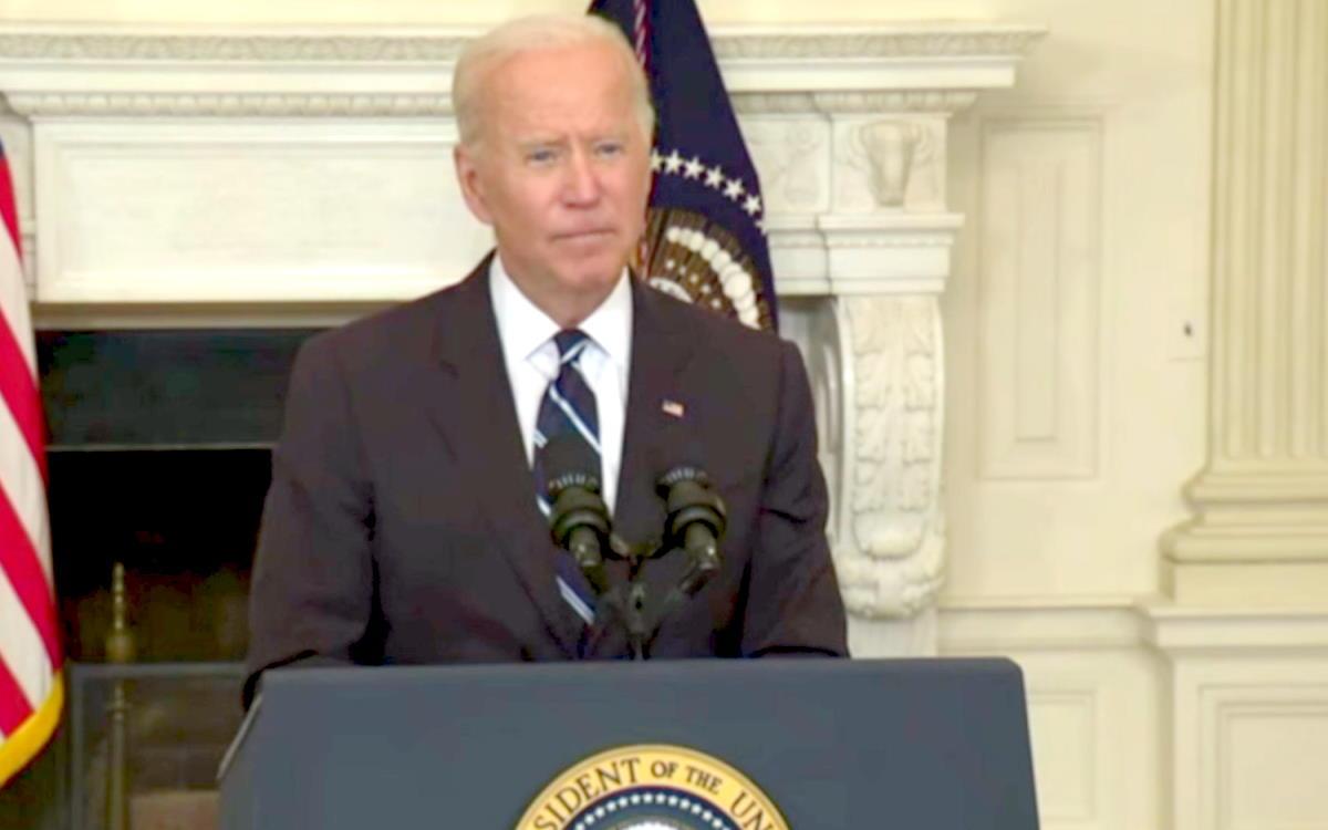 Biden: i dipendenti delle grandi imprese dovranno vaccinarsi o sottoporsi a tamponi settimanali