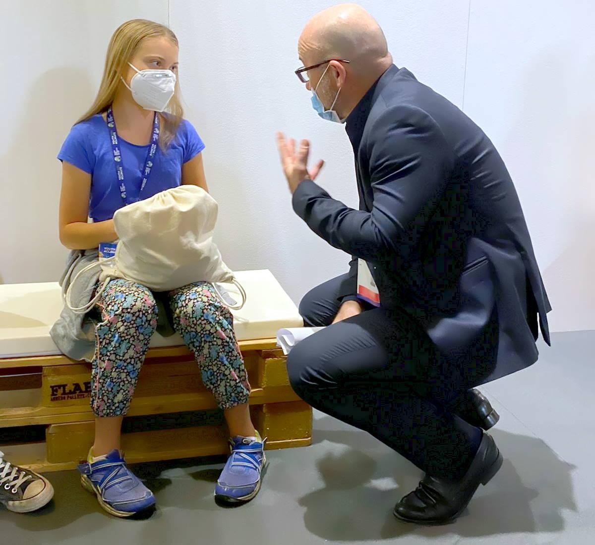 Greta, Vanessa e il ministro trivella al Youth4Climate