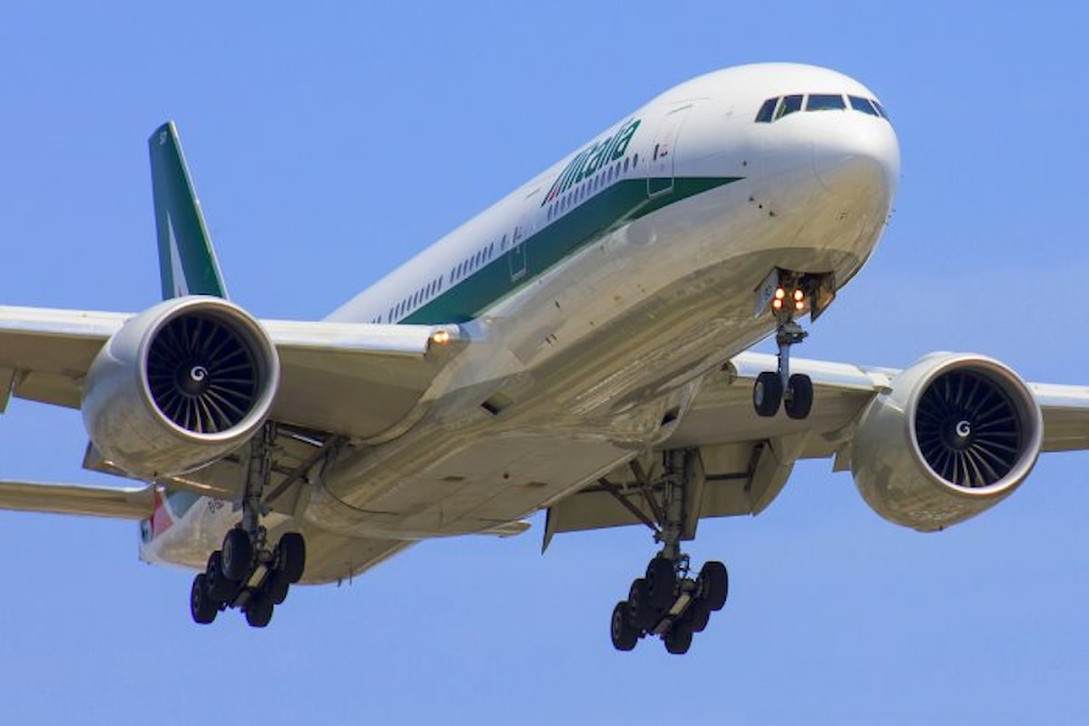 Si avvia la procedura per il commissariamento di Alitalia