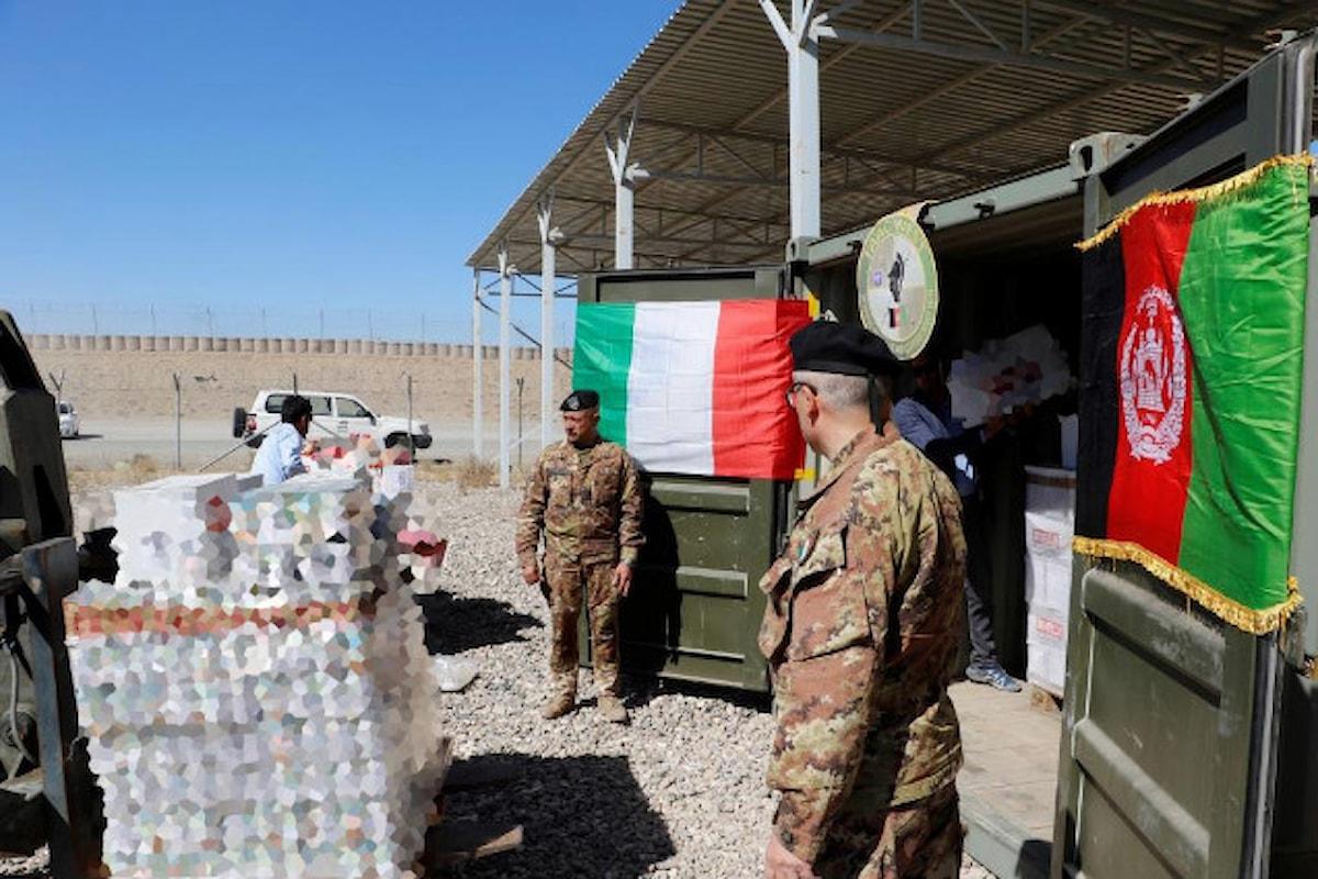 Afghanistan, militari italiani donano alimenti al Dipartimento Affari Sociali Herat
