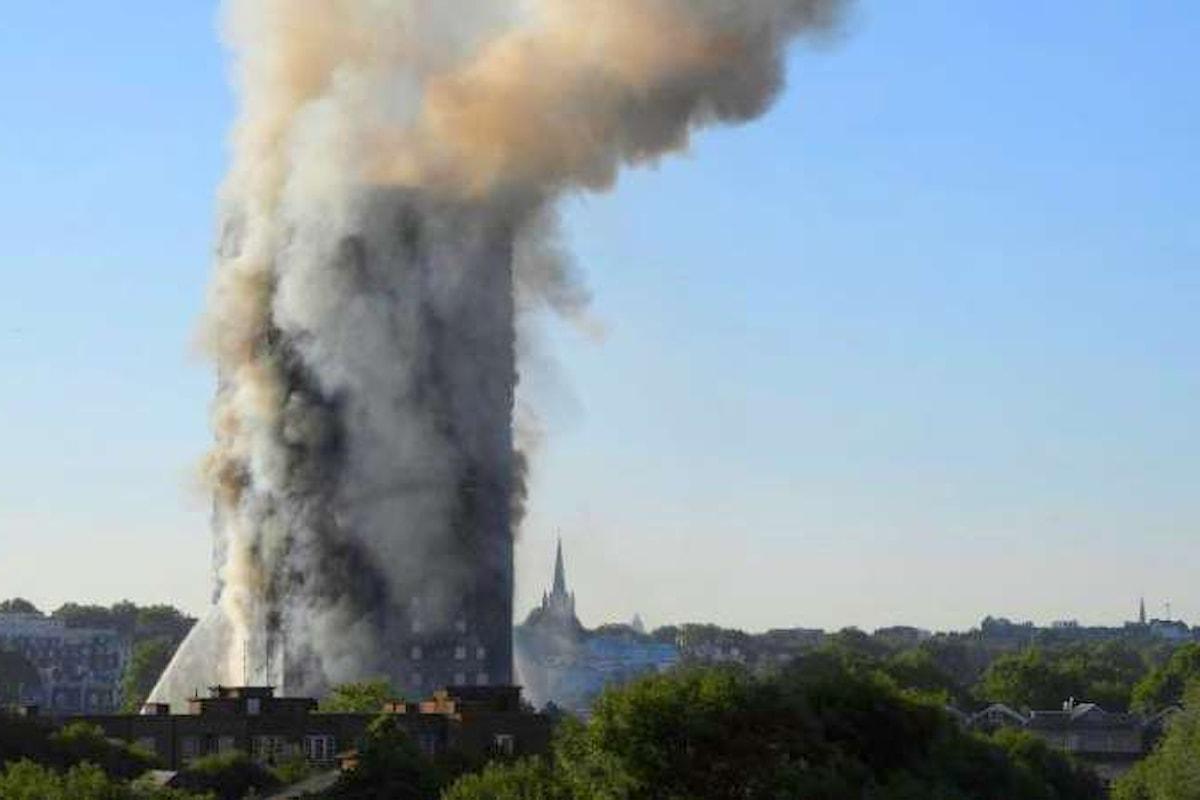 Morti e feriti in un incendio che ha distrutto un grattacielo a Londra