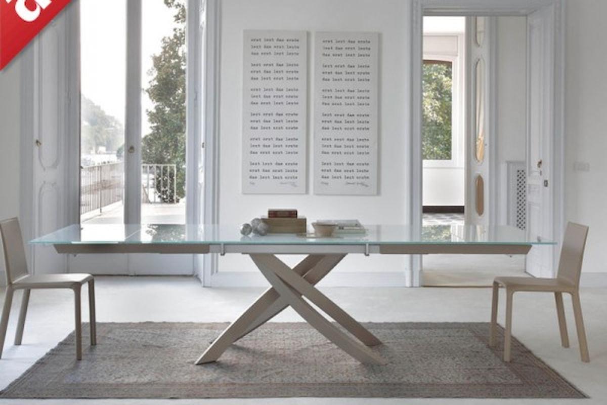 Tavoli allungabili guida completa alla scelta e all'acquisto. Forme, materiali, dimensioni, colori e ambientazioni: tutto ciò che c'è da sapere