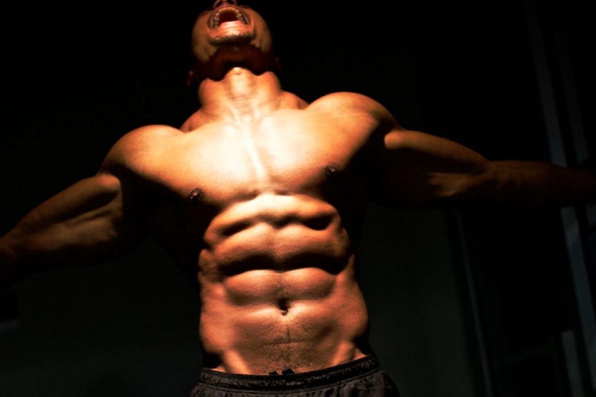 Come costruire muscoli addominali migliorando l'estetica e la loro funzione naturale