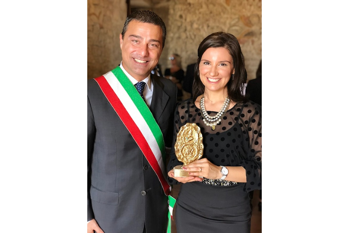Premio Nazionale Bonifacio VIII - Eleganza sobria firmata Eles Italia per la giovane scrittrice R.P. Giannotte