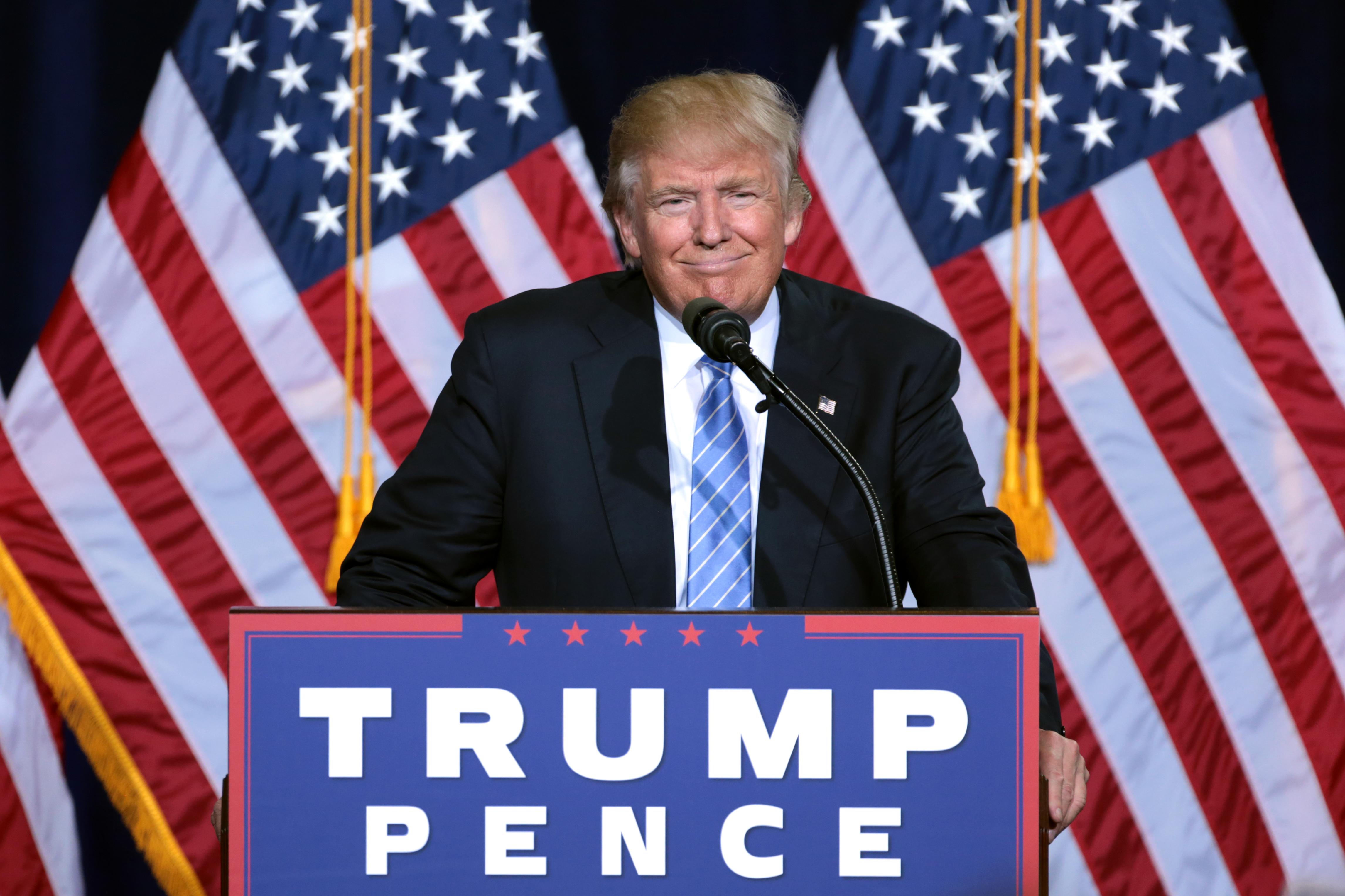 Trump sotto attacco: testate giornalistiche e star di Hollywood si scagliano contro il presidente