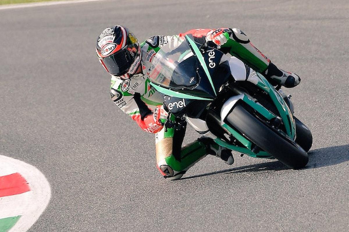 Max Biaggi scende in pista al Mugello per la MotoE!