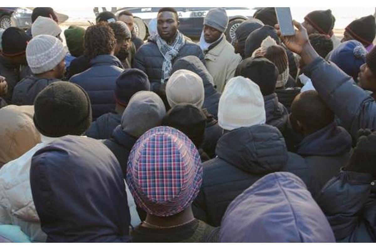La mancata assistenza ad una immigrata all'origine della protesta nel CPA di Cona