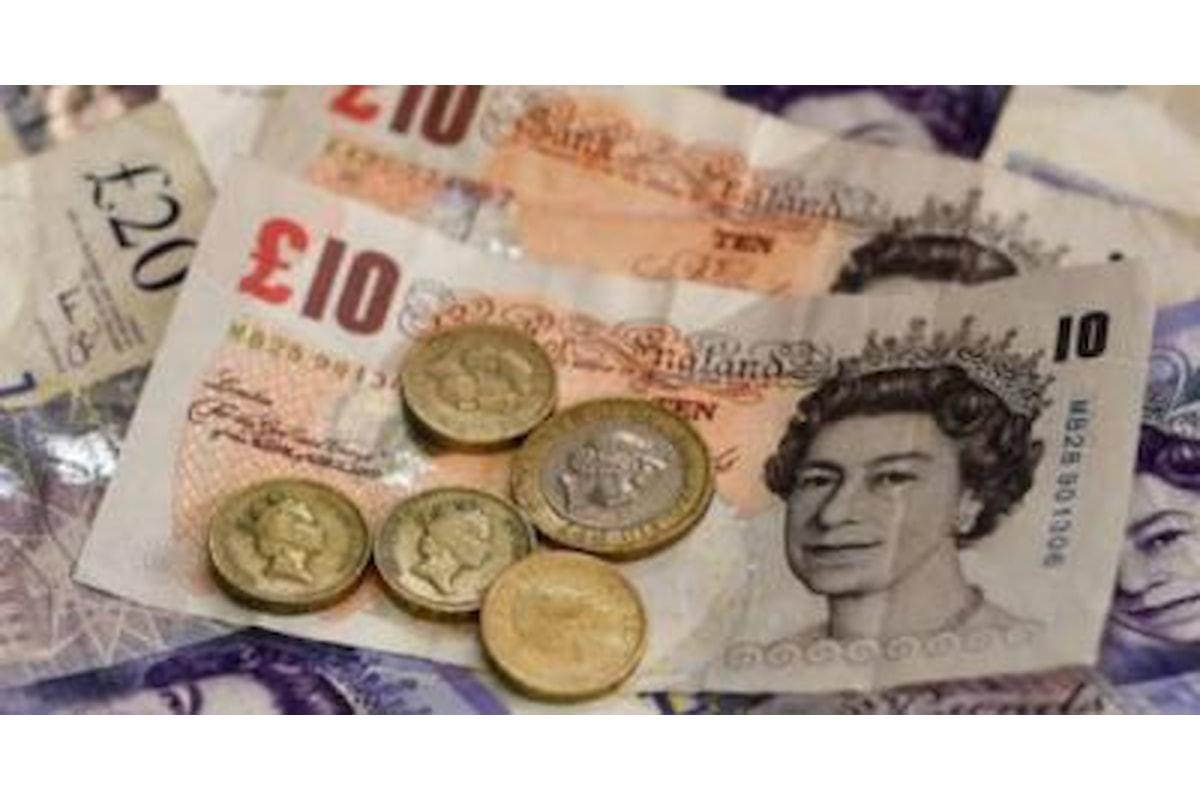 Pound, rimbalzo su euro e dollaro grazie all'indice Markit sui servizi
